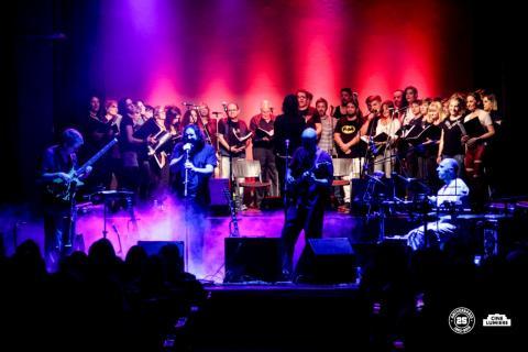 coro lumiere tributo charly garcía